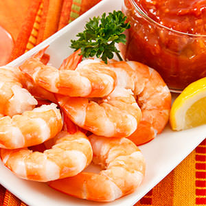 3-Festive-Shrimp-Cocktail-17989763-bs