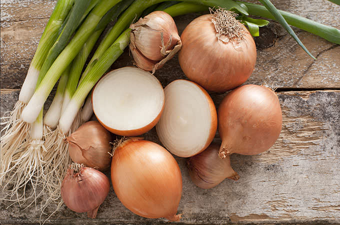 bigstock-Assorted-Farm-Fresh-Onions-On--61456619(1)