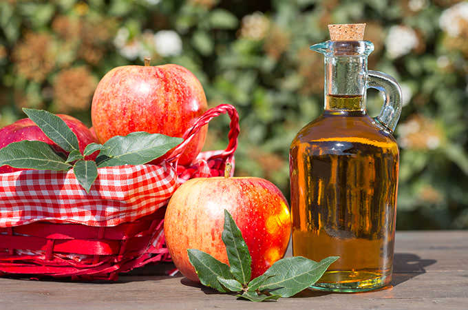 bigstock-Apple-Cider-Vinegar-87229409