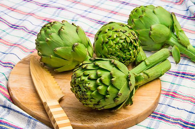 bigstock-Globe-Artichoke-Ready-Be-Cut-105870599