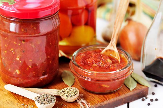 bigstock-Canning-Marinara-Sauce-Tomato-54872606_mini