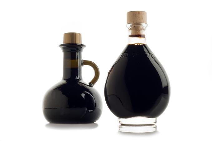 bigstock-bottle-of-italian-balsamic-vin-27481511_mini