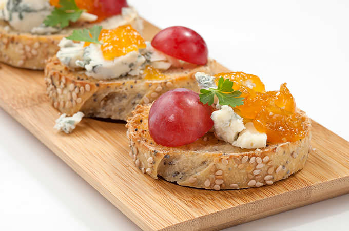 bigstock-Blue-Cheese-And-Apricot-Jam-Cr-74792854