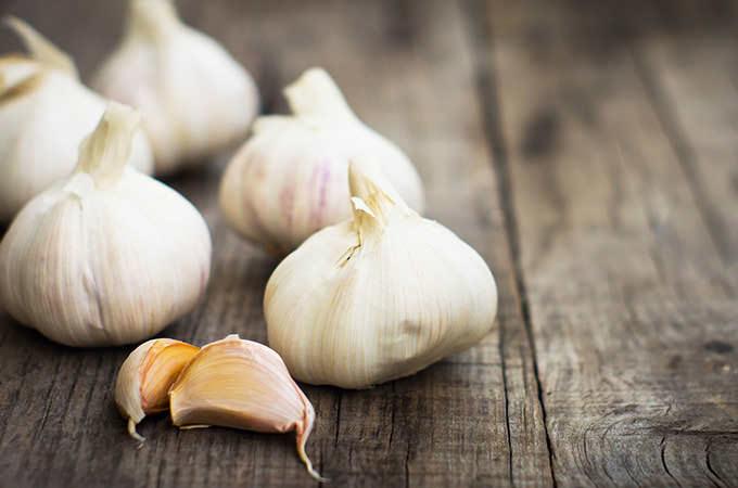 bigstock-Garlic-Cloves-50136002(1)