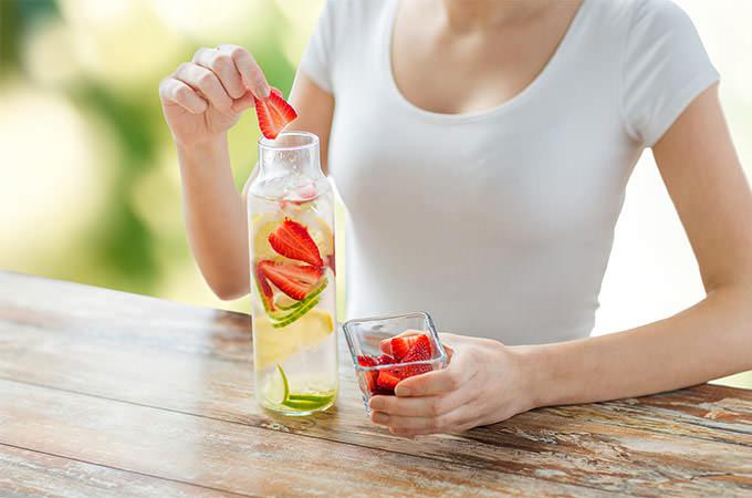 bigstock-healthy-eating-drinks-diet--94442294