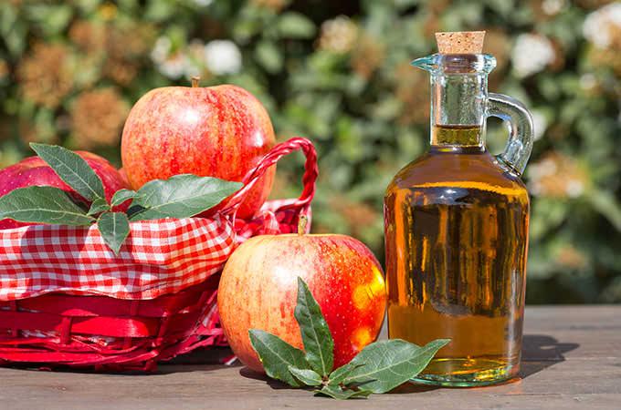 bigstock-Apple-Cider-Vinegar-87229409